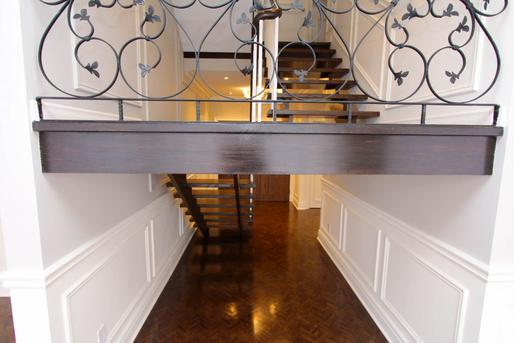 satirs decor with wainscoting