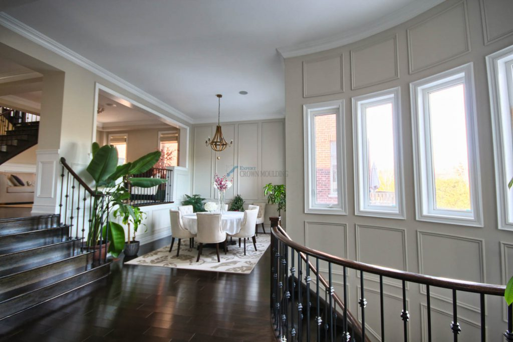 window trim with full wall wainscoting