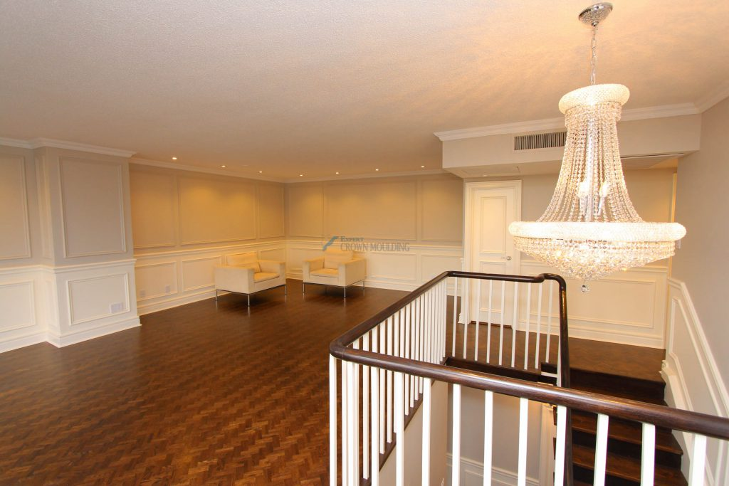 renovation with wainscoting and crown moulding