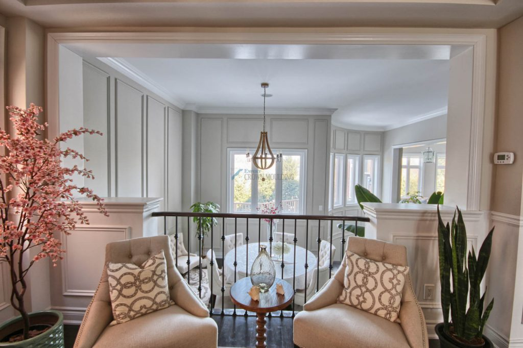 living room interior with cornice moulding