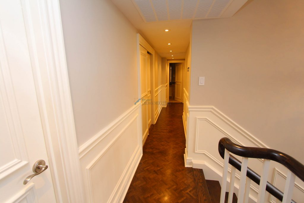 toronto apartment wainscoting and trimwork